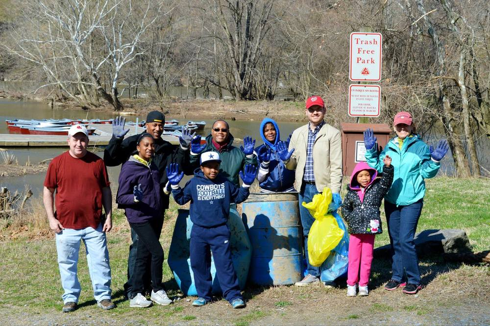 potomac river cleanup volunteer