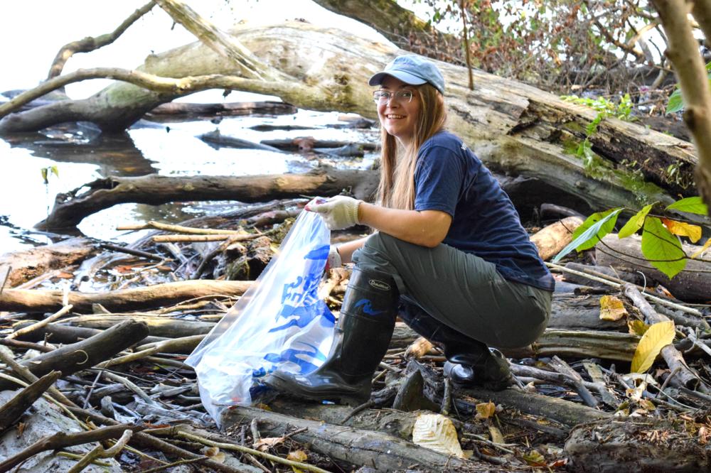 Potomac river volunteers at Theodore Roosevelt Island
