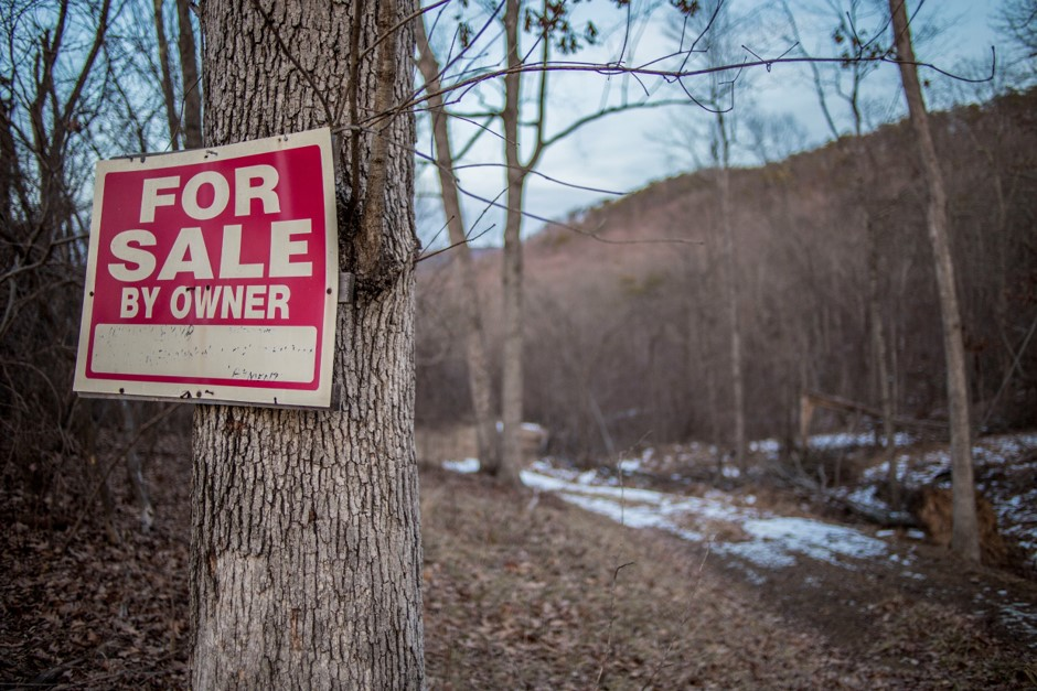 WHITE HORSE MOUNTAIN FOR SALE SIGN, FEBRUARY 2015
