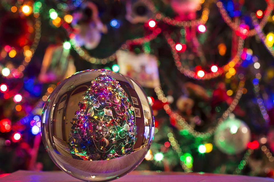 christmas-2948567_960_720.jpg