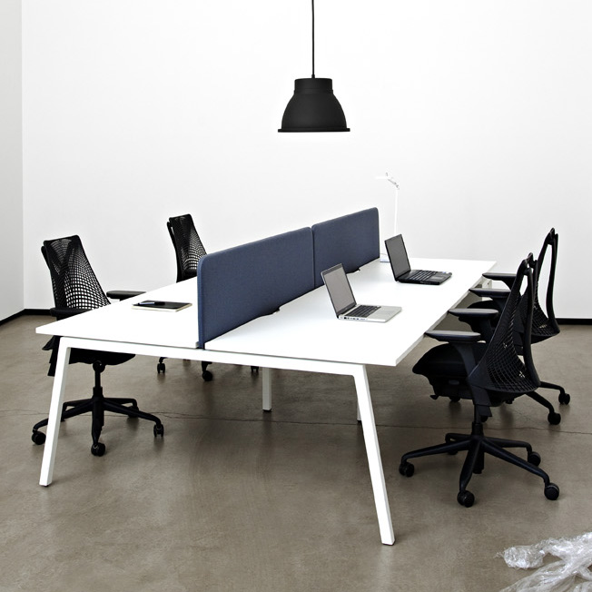 Screens for desks (NO, UM)