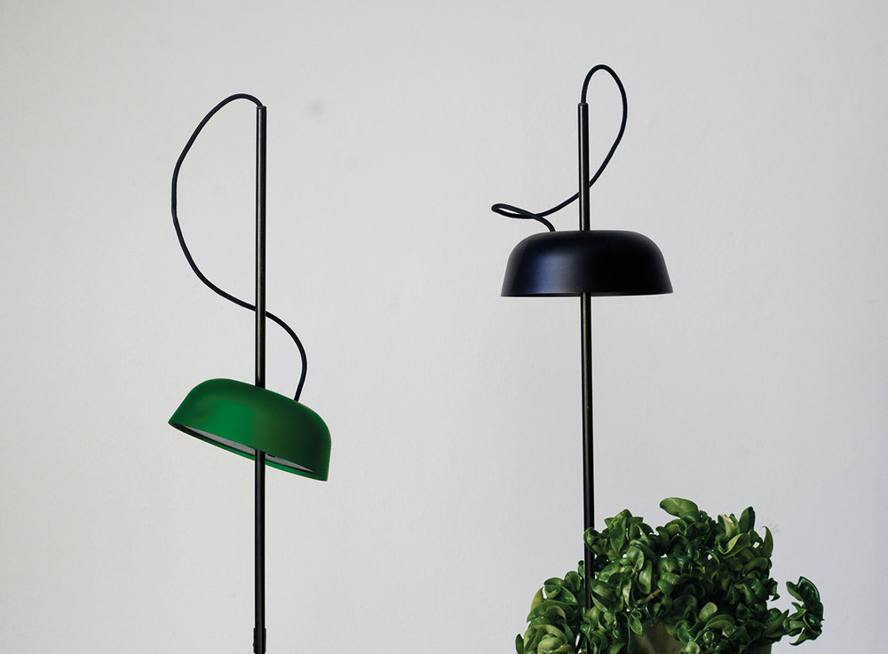 The Path Leads UT: The winter season can seem unending in Norway. Hallgeir Homstvedt has designed the Ki, a minimalist lamp that will keep both your plants and yourselfhappy and thriving the whole year.