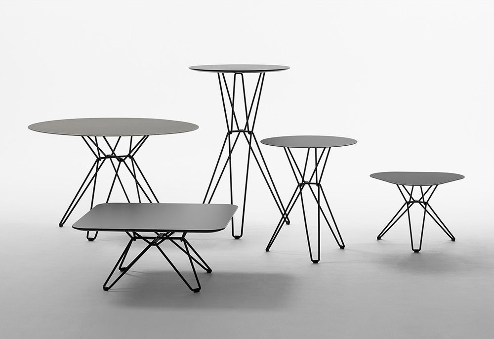 Massproductions_Tio_outdoor_table_01.jpg