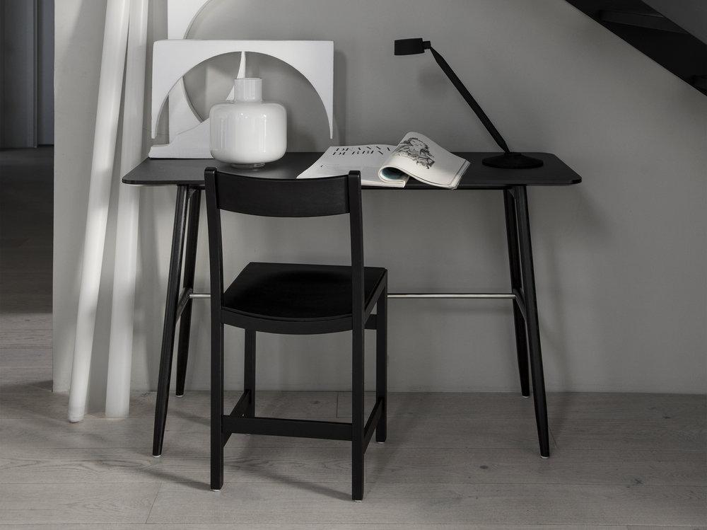 Icha-Desk-webcrob.jpg