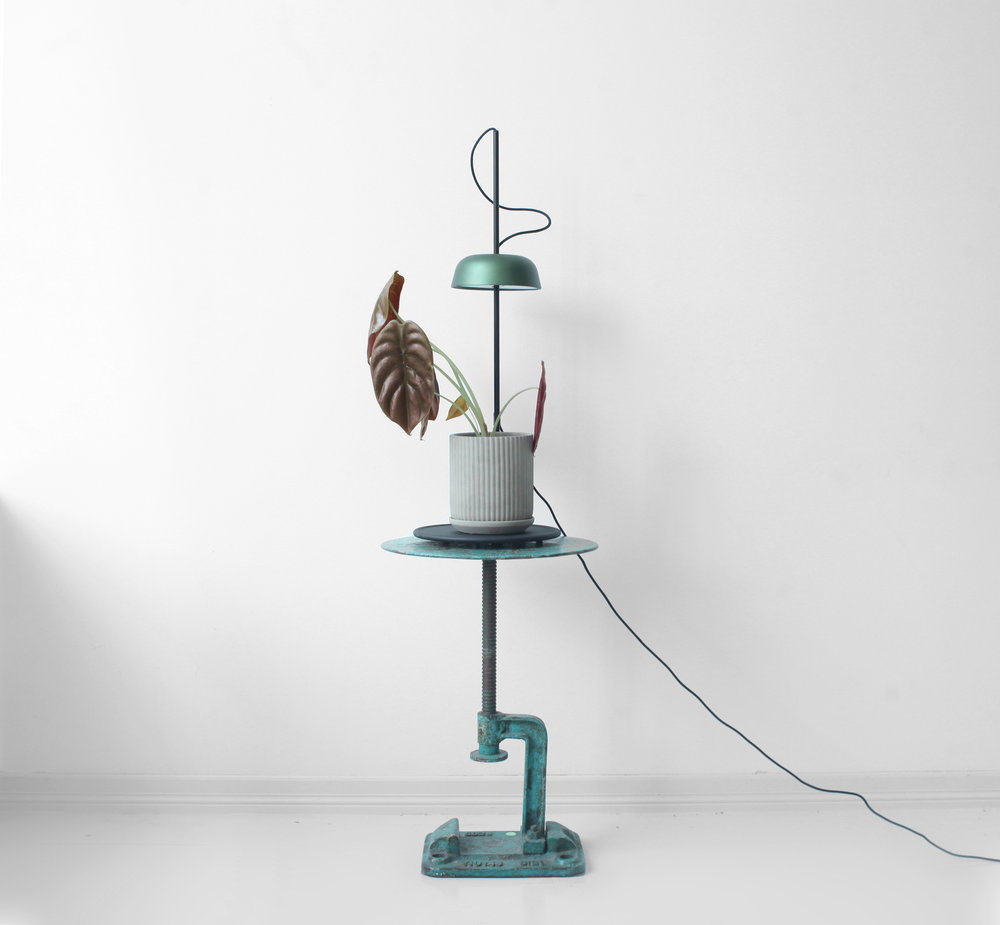 UT #12/256 Kilight by Hallgeir Homstvedt  A lamp designed to nurture both you and your plants. With full specter LED it will keep your plants happy even during the Norwegian winter