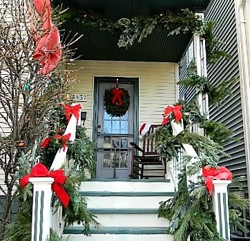 Xmas home entrance 2 (550x413)_thumb[2].jpg