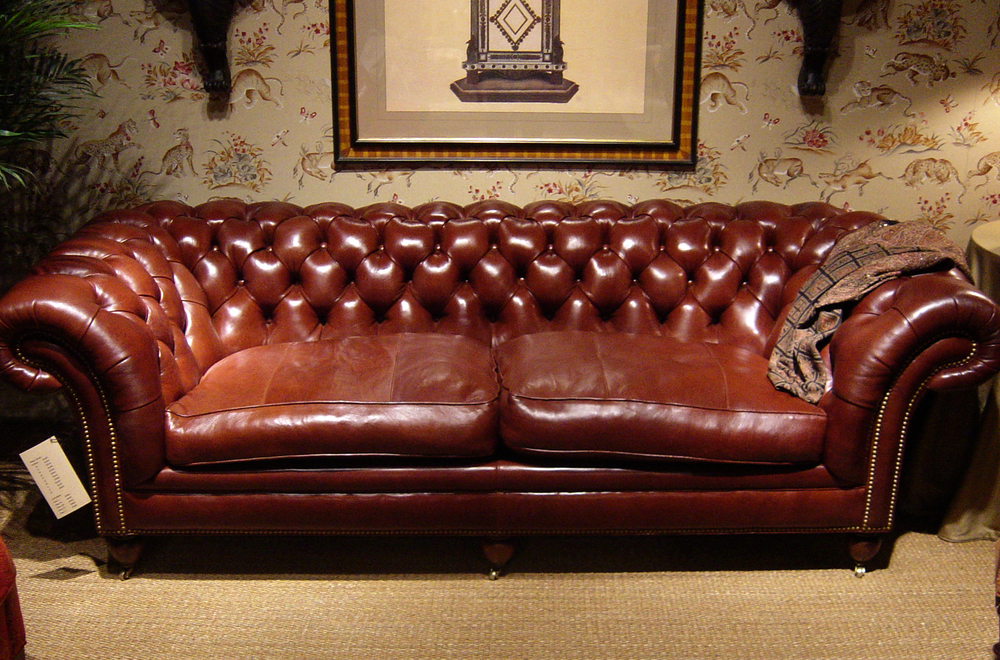 13 couch with secone color welting.jpg