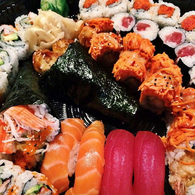 Happy Sushi Sunday at Sakura! #sakurahibachinj #sakura #hibachi #sushi #bobatea #parsippany #morriscounty #northjersey #nj #deliverytogo @deliverytogo