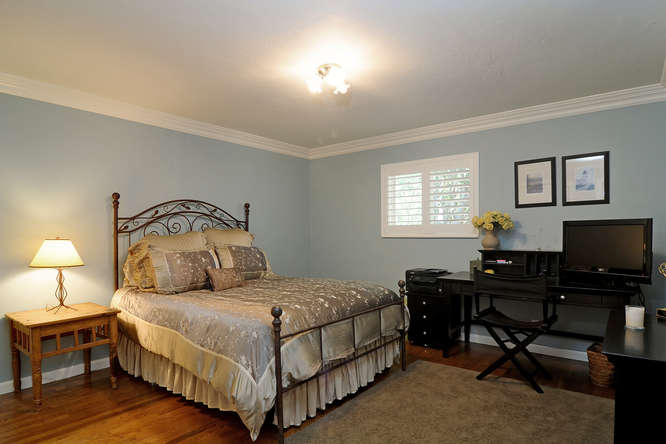 2611 Cipriani Blvd Belmont CA-small-020-Bedroom 1-666x444-72dpi.jpg