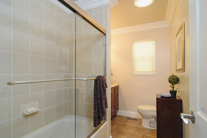 2611 Cipriani Blvd Belmont CA-small-021-Bathroom 2-666x444-72dpi.jpg