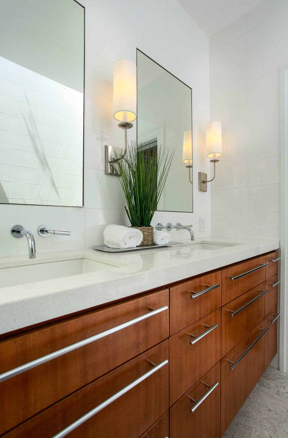 1778 Beach St San Francisco CA-print-023-22-Bathroom-2300x3500-300dpi.jpg