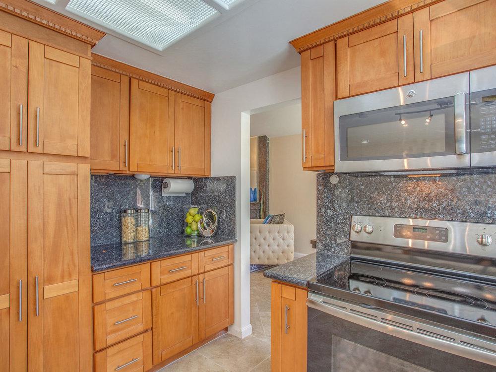 4620 Kelso St Union City CA-MLS_Size-010-8-Kitchen-1280x960-72dpi.jpg