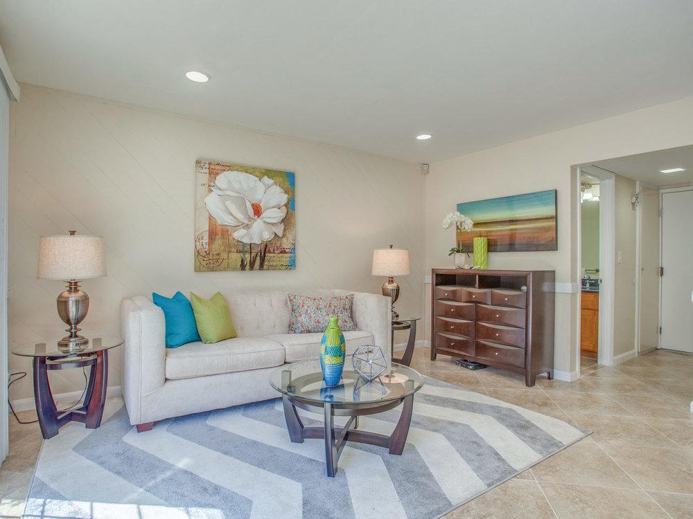 4620 Kelso St Union City CA-MLS_Size-012-14-Family Room-1280x960-72dpi.jpg