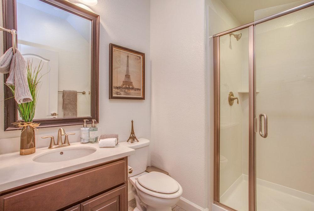 1504 Hayden St Hayward CA-print-012-2-Full Bathroom-4200x2821-300dpi.jpg
