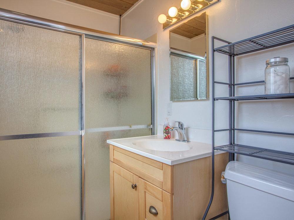 4026 Salem St Concord CA 94521-MLS_Size-021-30-Master Bathroom-1280x960-72dpi.jpg