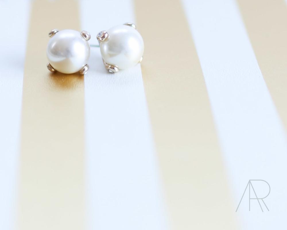 | Banana Republic Pearls |