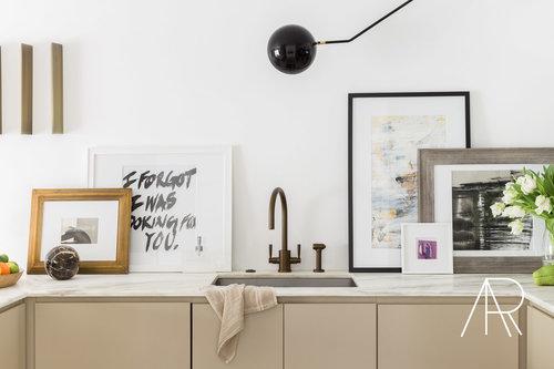 CAlyssaRosenheck2017 Alyssa Rosenheck With Architectural Digest And James Saavedra Austin Home Modern Kitchen White