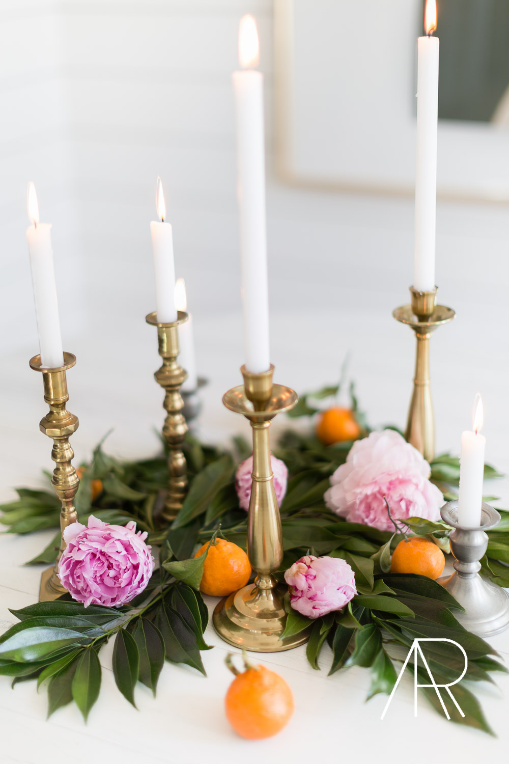 Alyssa Rosenheck's The New Southern Simple Holiday Centerpiece and Grocery Store One Stop Shop. Centerpiece Styling, Holiday Decor, Tablescape, 2018, Nashville, TN ©AlyssaRosenheck