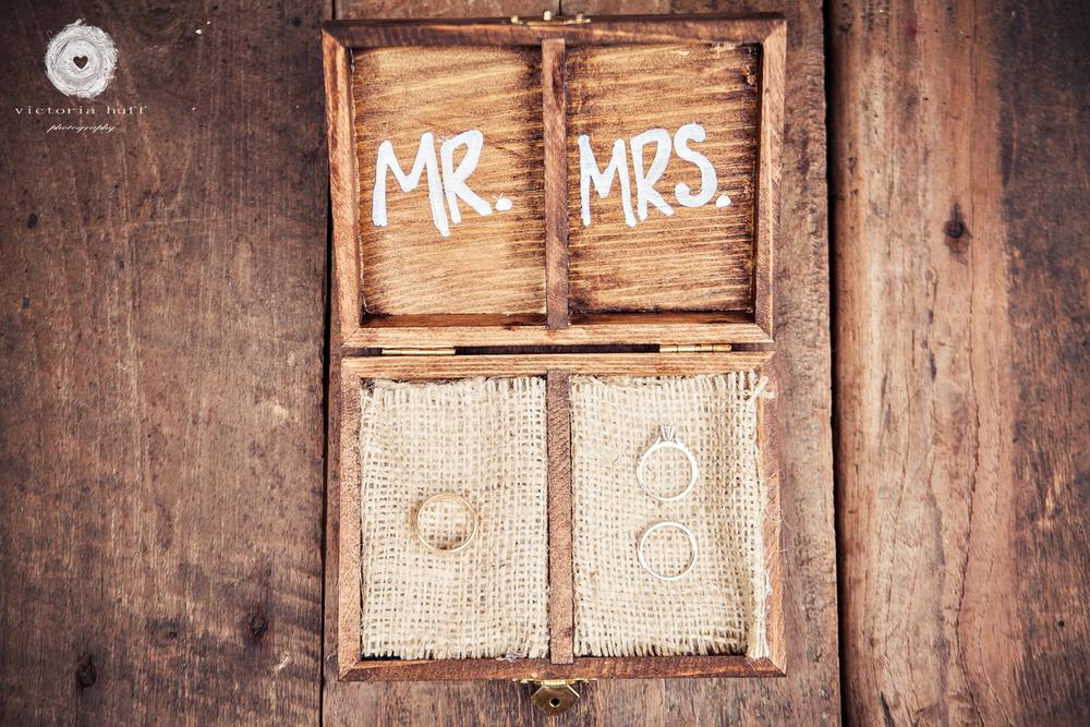Wedding-Photography-Holly-Eisele-Clint-Allen-Athens-Georgia-Vintage-Wedding-rings-029.jpg