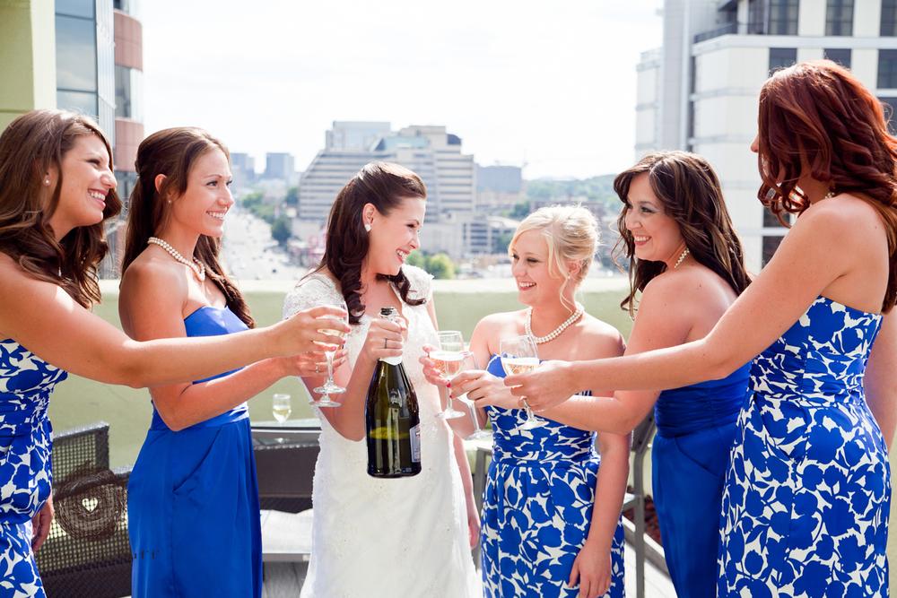 Wedding-Photography-Lindsay-Collins-Jason-Baggett-Wedding-Centennial-Park-Nashville-Tennessee-Hotel-Indigo-Vintage-209.jpg