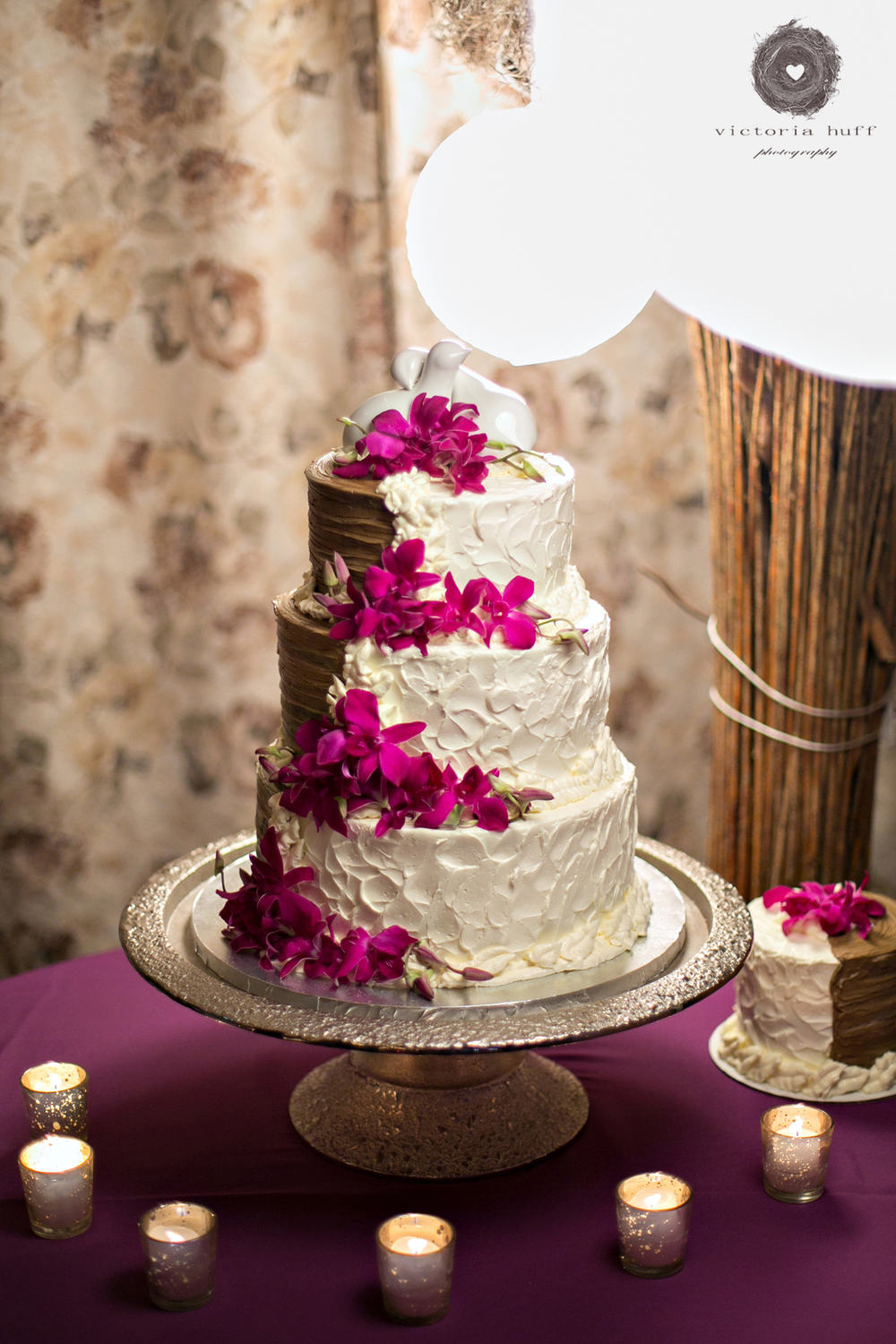 Wedding-Photography-Meagan-Kerske-Reynolds-Nashville-Tennessee-Centennial-Park-Gardens-of-Babylon-Wedding-cake.jpg