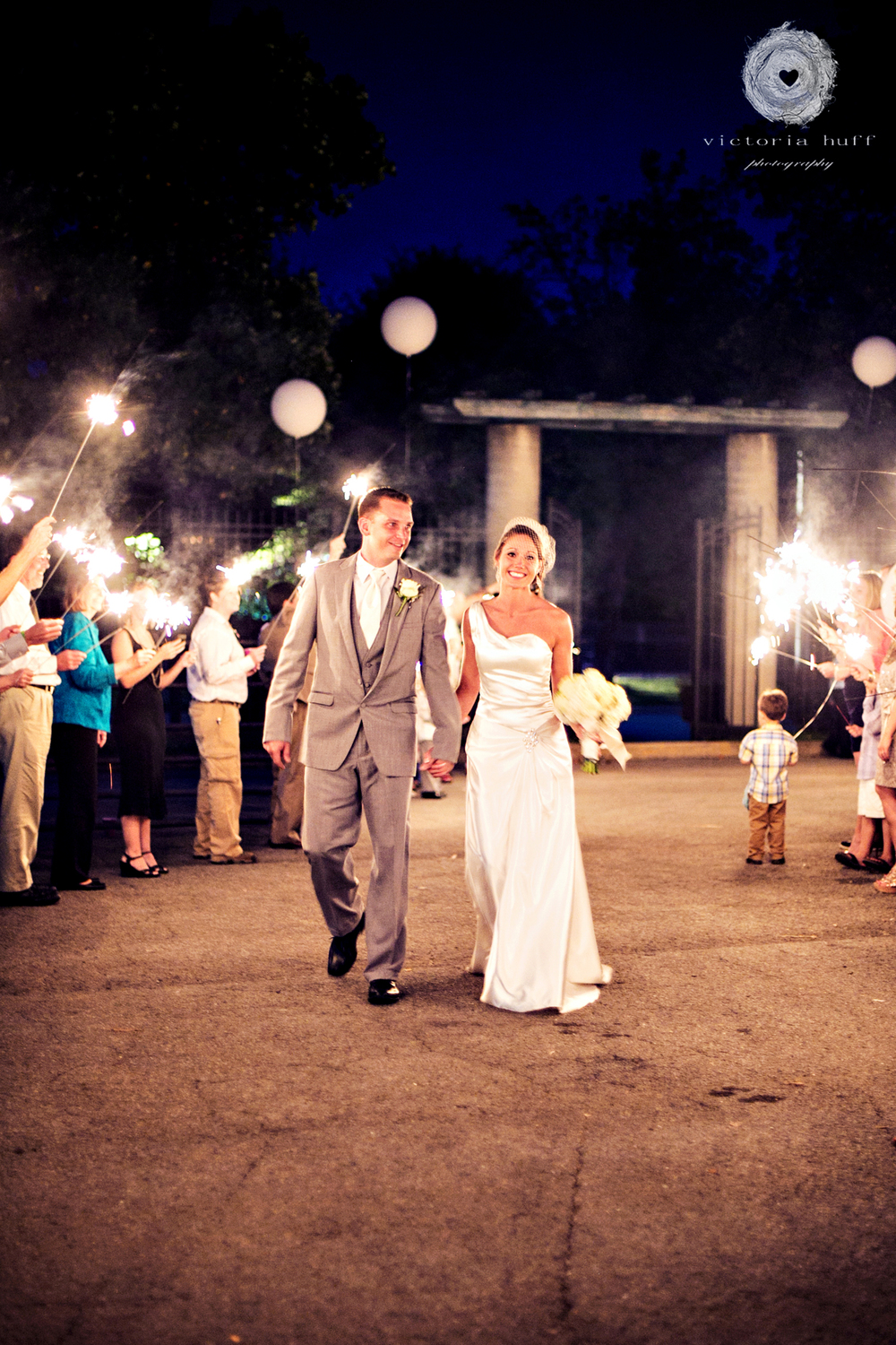Wedding-Photography-Meagan-Kerske-Reynolds-Nashville-Tennessee-Centennial-Park-Gardens-of-Babylon-Wedding-sparklers.jpg