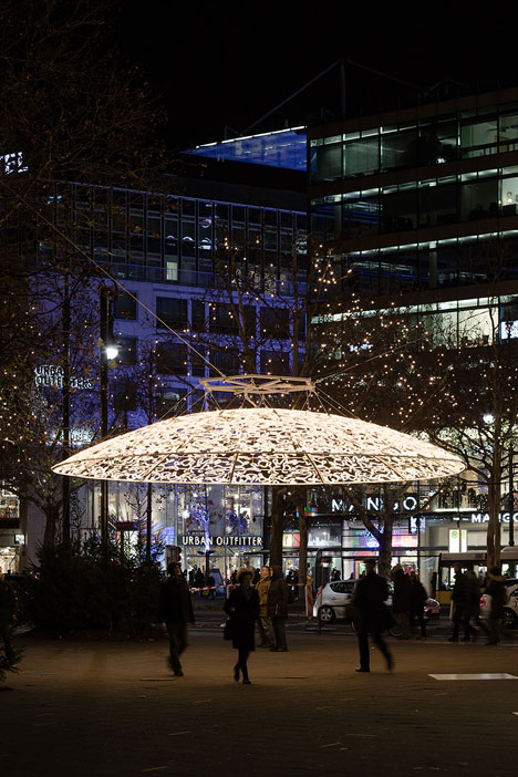 Christmas-Lights-Berlin-by-Brut-Deluxe_dezeen_19.jpg