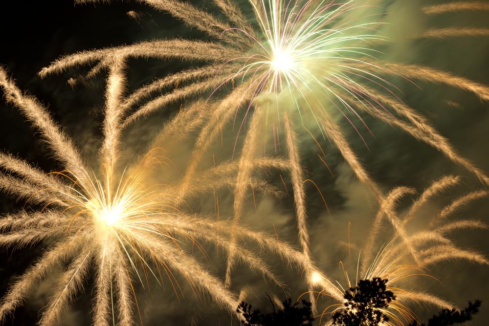 Fireworks Rose Bowl Rollie Robles.jpg