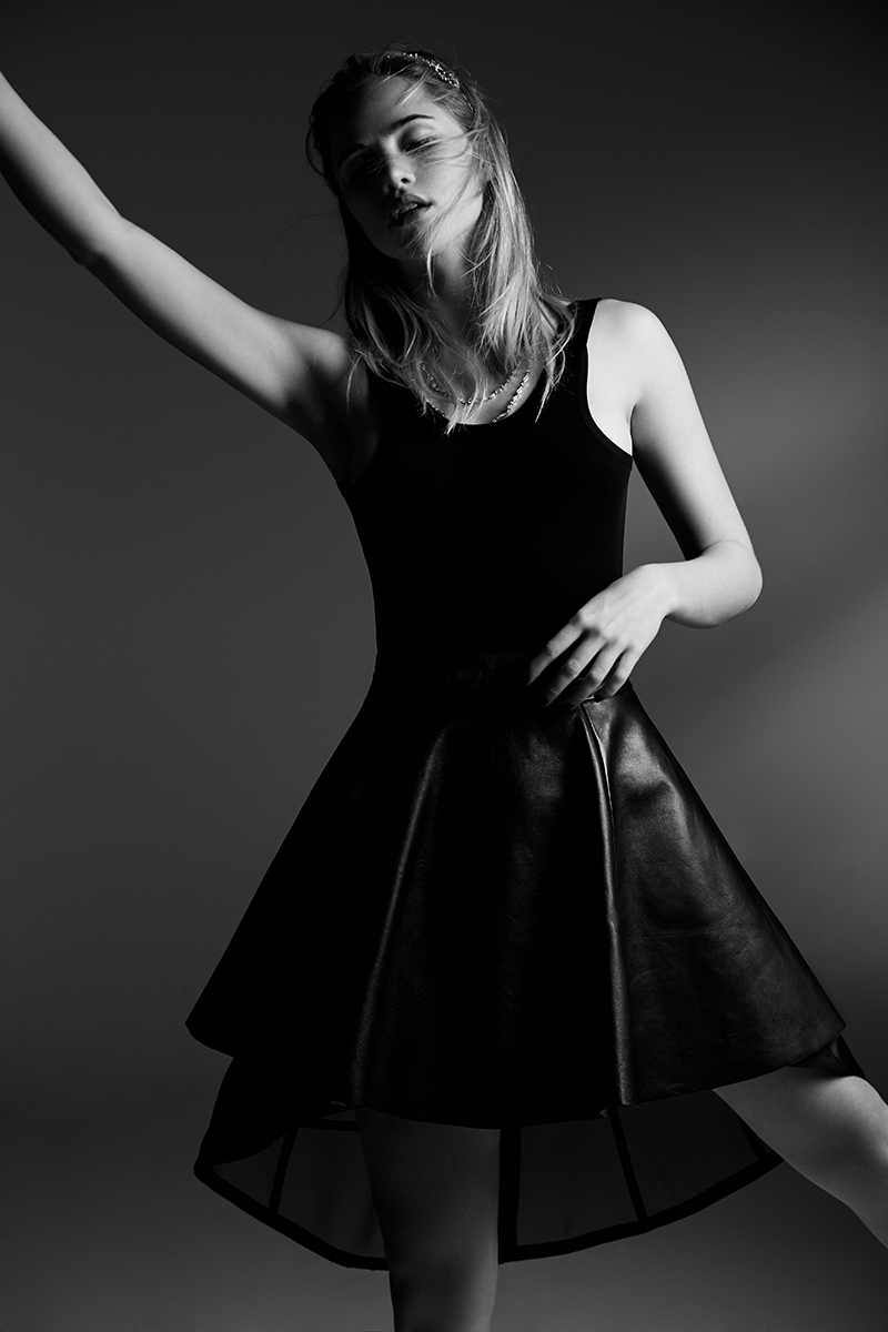 NH_ROLLACOASTER_SUKI_WATERHOUSE_0087_bw.jpg