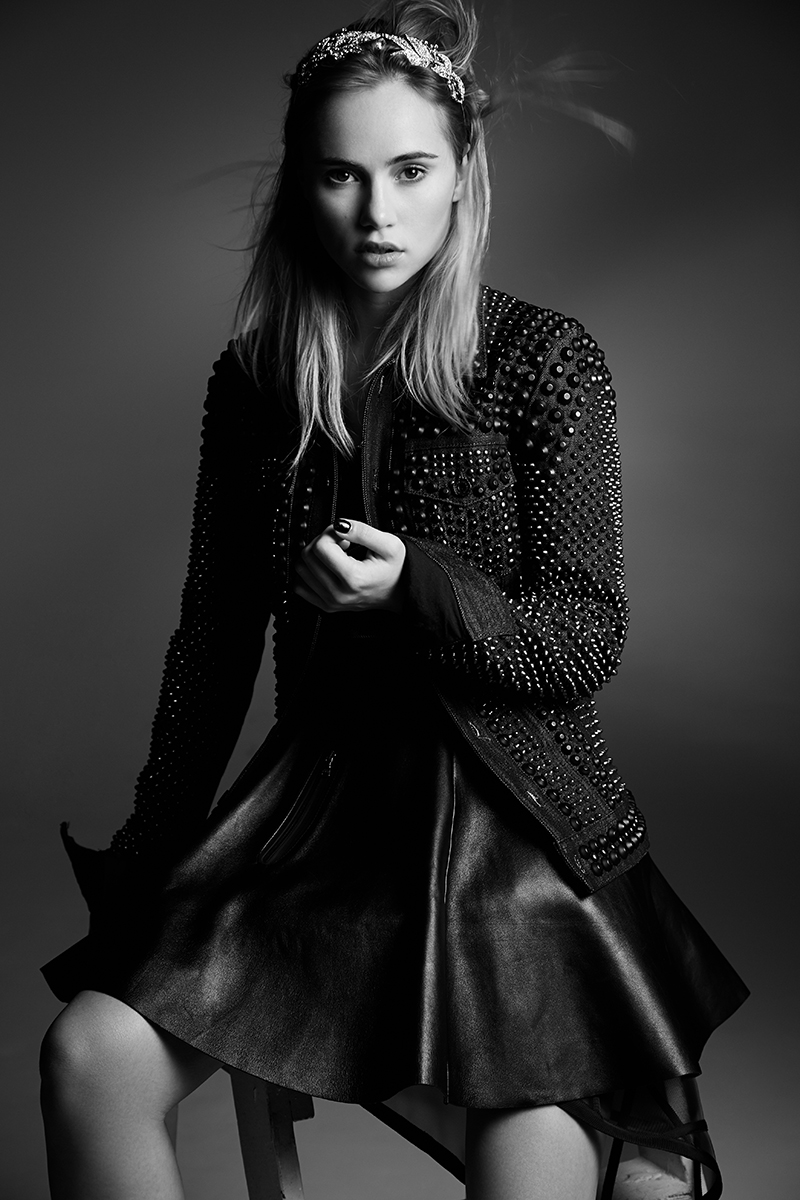 NH_ROLLACOASTER_SUKI_WATERHOUSE_0108_bw.jpg
