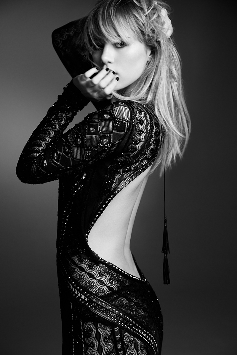 NH_ROLLACOASTER_SUKI_WATERHOUSE_0410_bw.jpg