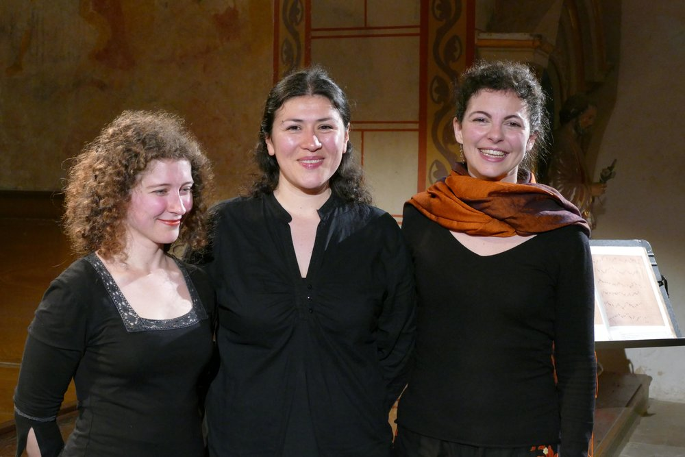 Photo: Pierre Sternberger. Oiet ensemble, after the concert at Asnières-sur-Vègre. Festival de Sablé.