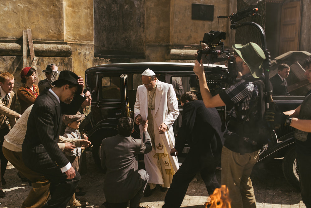 Pope vs Hitler BTS-019.jpg