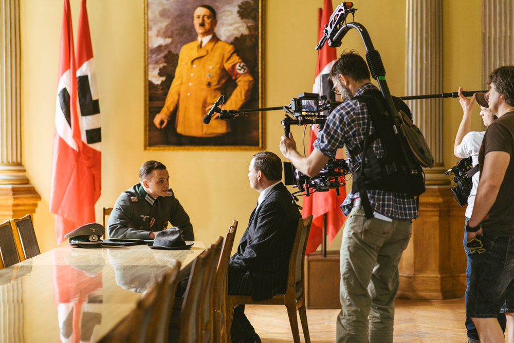 Pope vs Hitler BTS-057.jpg