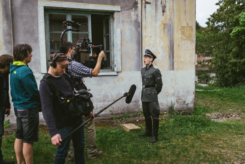 Pope vs Hitler BTS-059.jpg