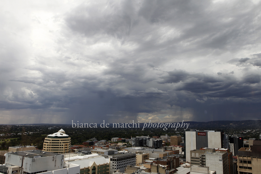 CHP_Export_104521545_Storm clouds gather over Adelaide after a week of extreme heat.  pic by Bianca.jpg