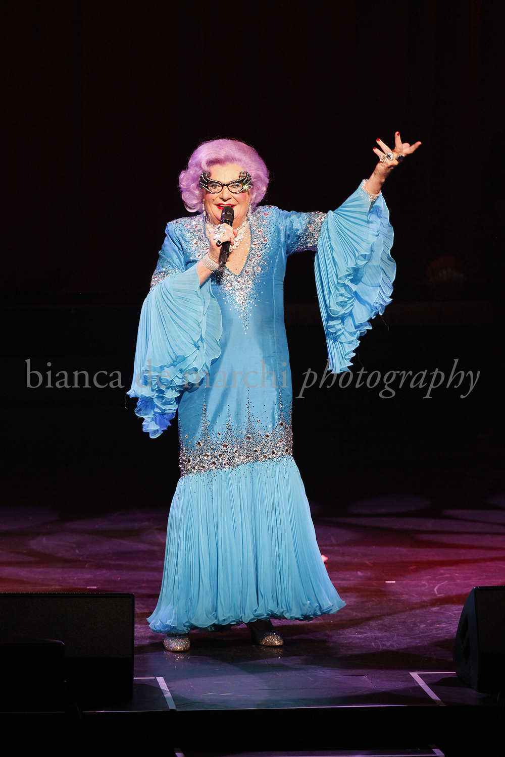 CHP_Export_117943287_Dame Edna Everage Barry Humphries performing on stage in Cabaret Festival openi.jpg
