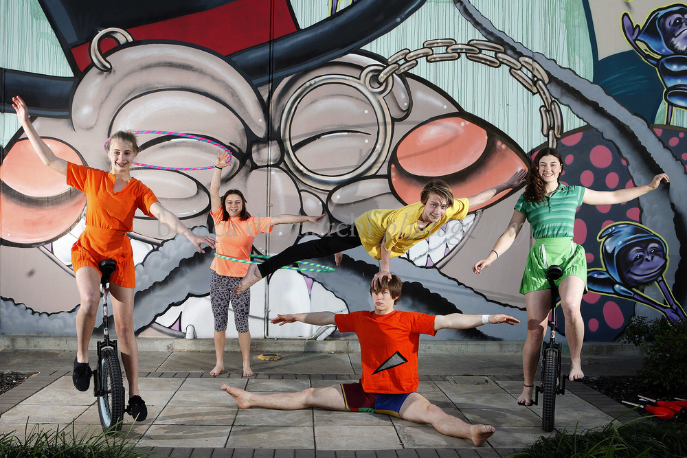 CHP_Export_125577920_Cirkidz performers Lauren McQillian 13 Margot Mansfield 15yrs Hamish McCourty 1.jpg