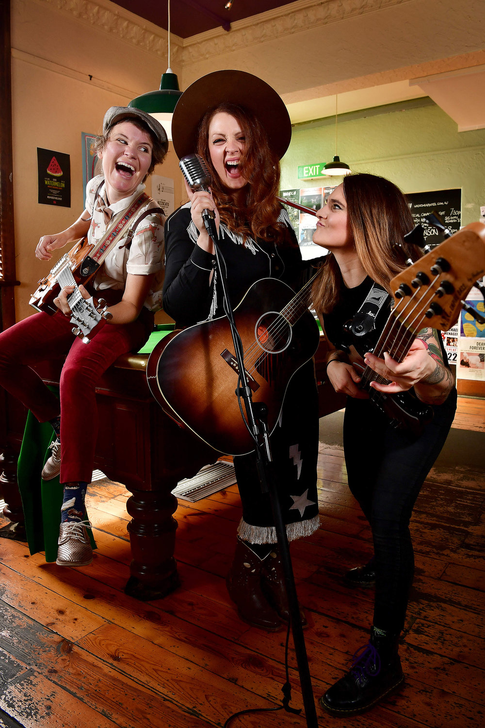 CHP_Export_174512367_Guitarists-singers-song writers Kelly Menhennett  Hana Brenecki & Annie Siegman.jpg