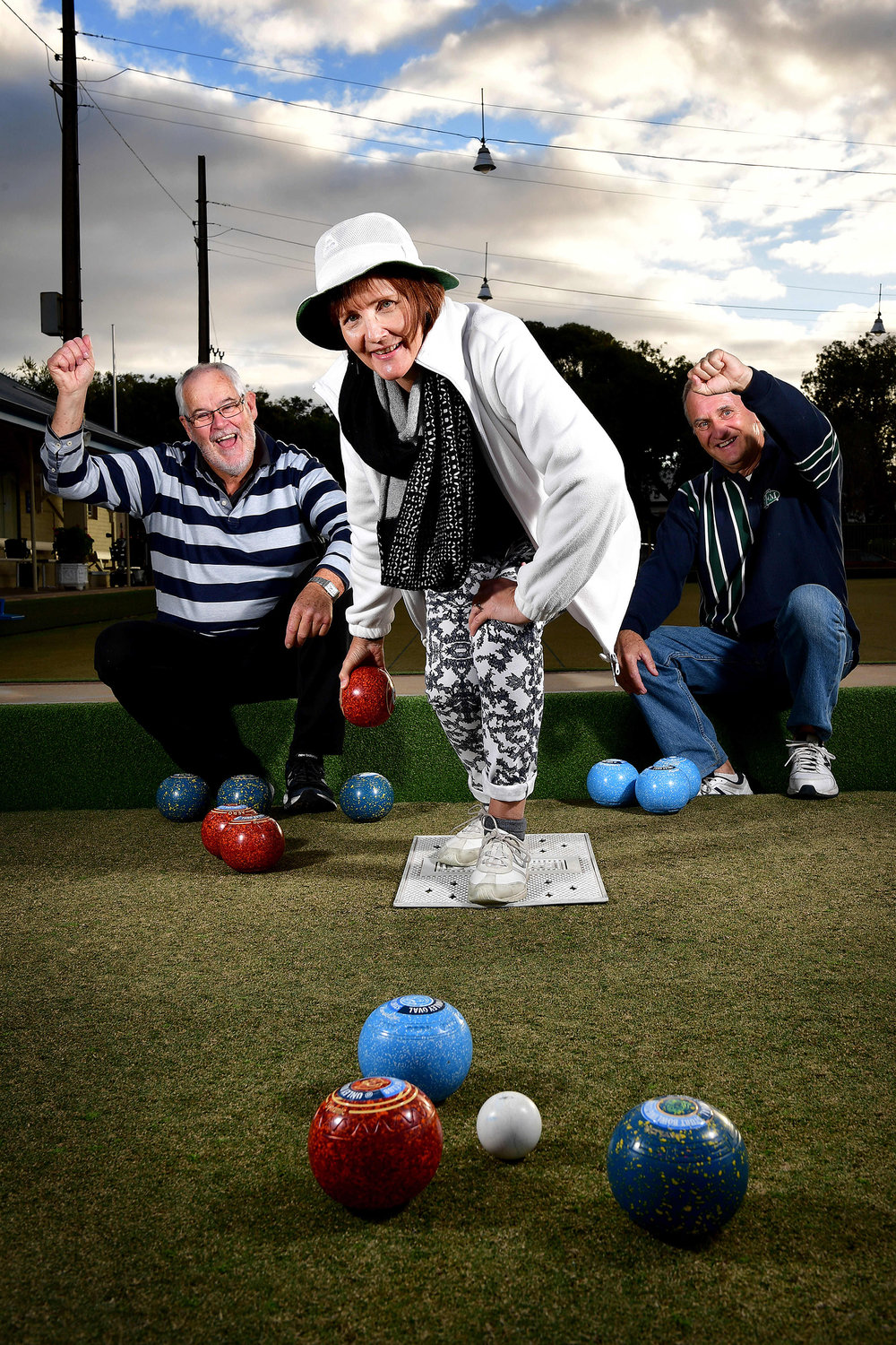 CHP_Export_177390569_Kym Pratt Tracey Kneebone 0418816482 & Grant Fisher enjoy a day on the green at.jpg