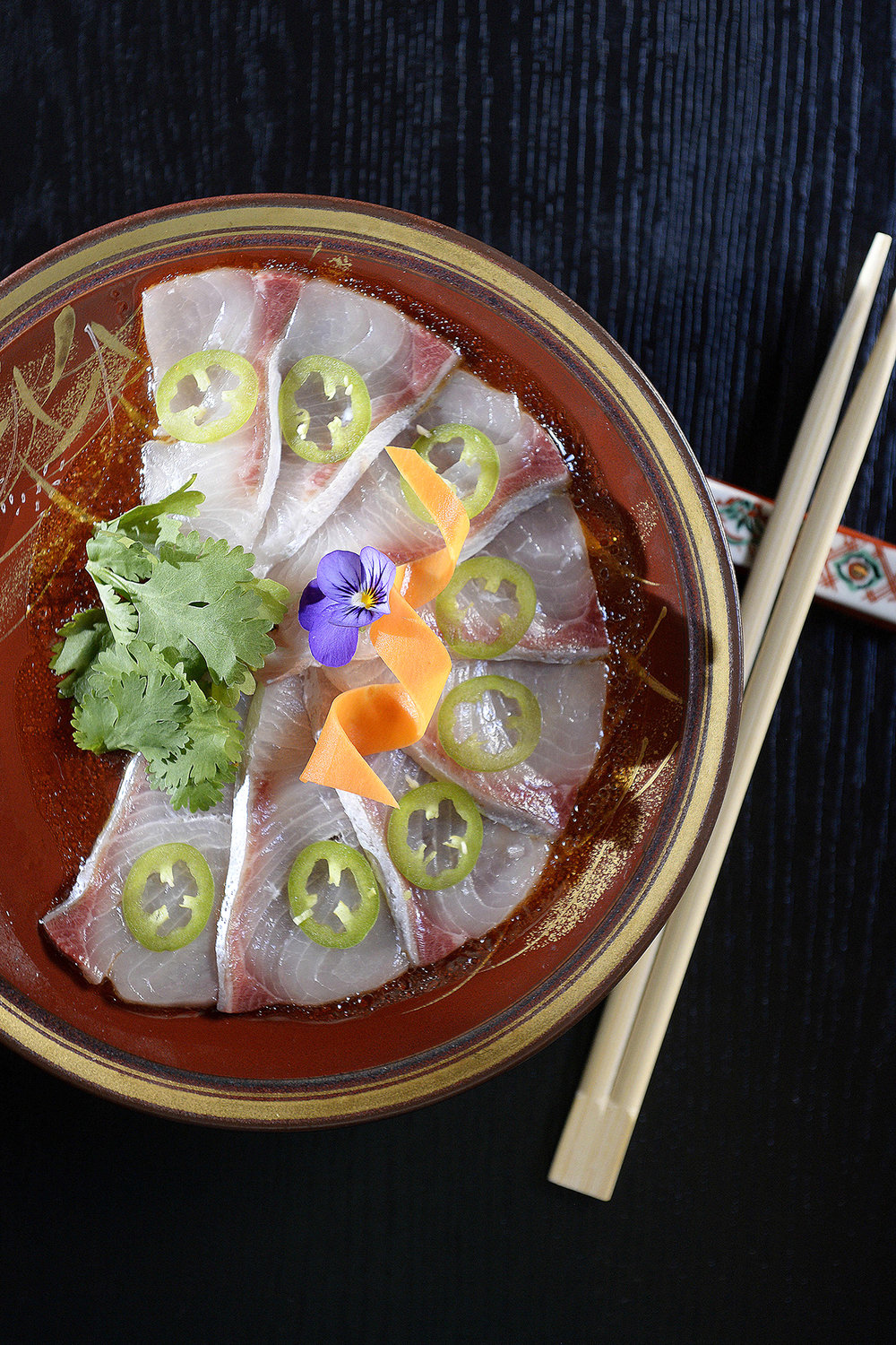 CHP_Export_133275490_Kingfish sashimi with Jalapeno  at Himeji Japanese Grote St.  picture Bianca De.jpg