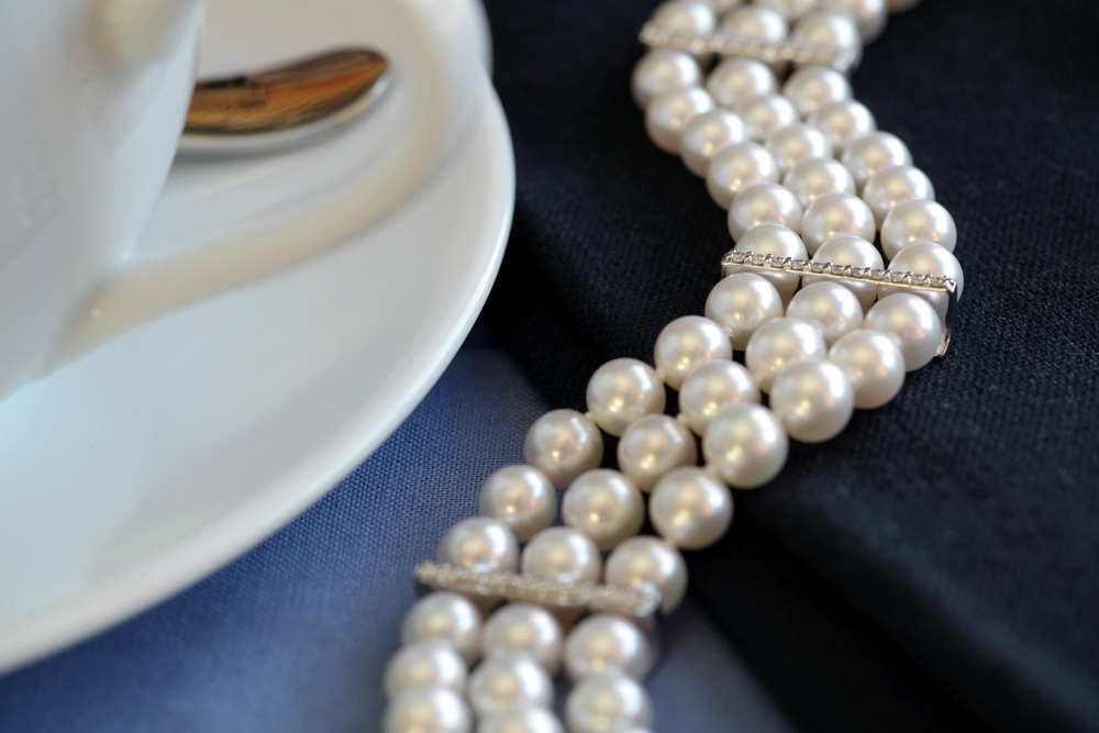dianna_rae_jewelry_custom_pearl_and_diamond_bracelet.jpg