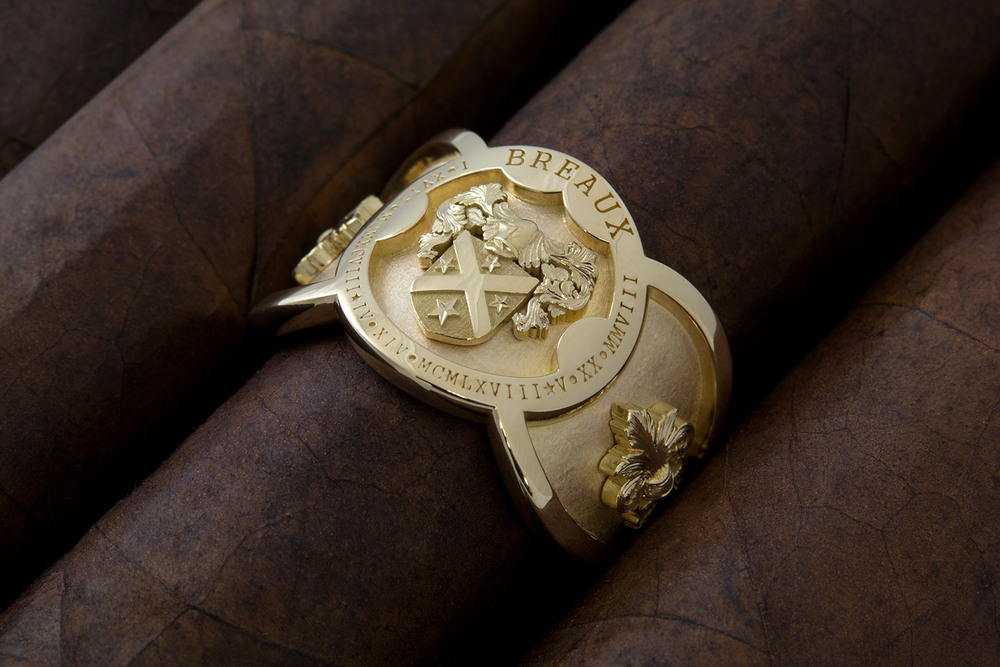 This men's 18k yellow gold family heritage ring is inspired by classic cigar band styling. 00052