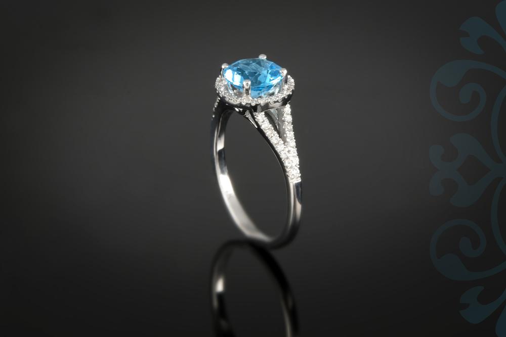 001-01159-001 - Custom Class Ring - Up.jpg