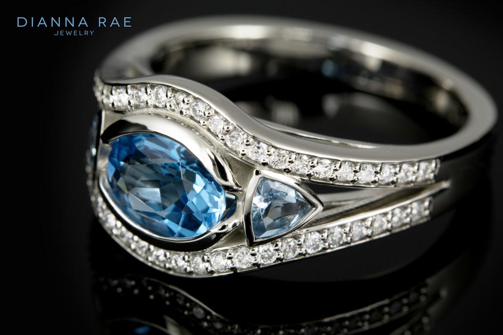 001-01343-001_Blue topaz and aqua ring_01.jpg