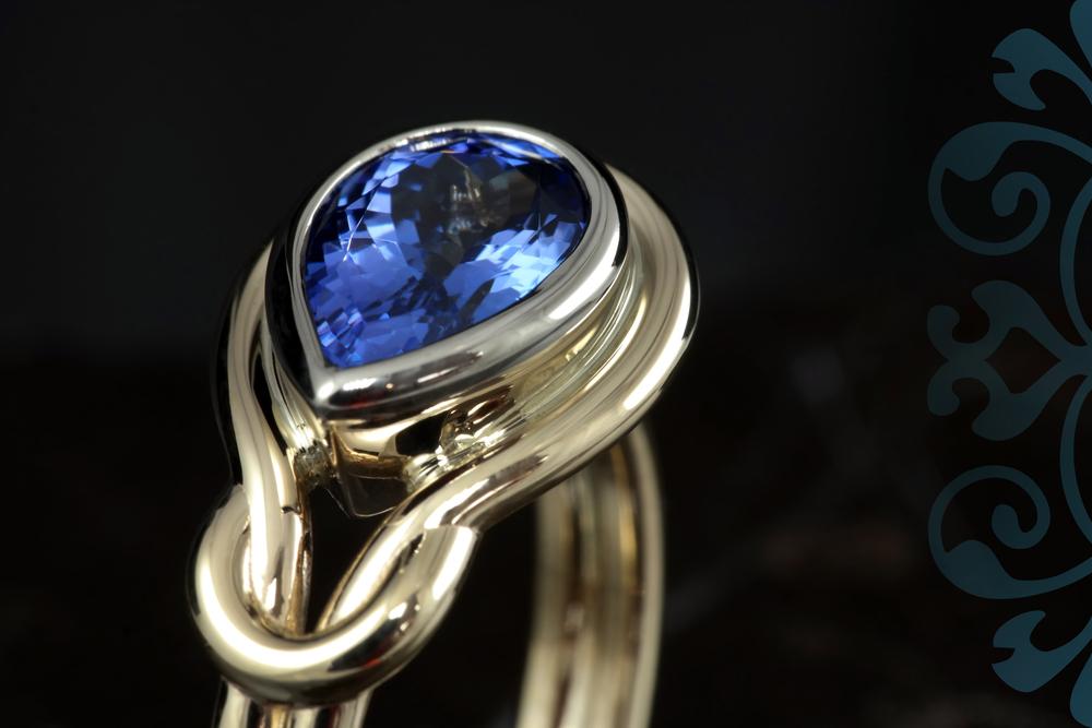 001-01870-001_Pear Tanzonite Ring_detail.jpg