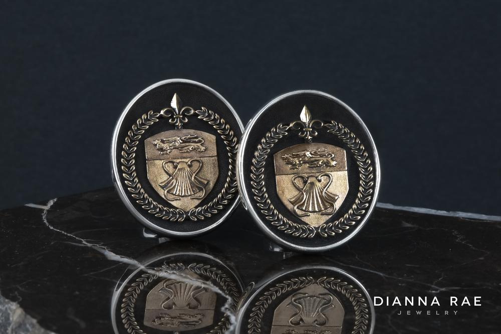 001-01755-001_Jeanne Saucier_Family Crest Cufflinks_1_.jpg