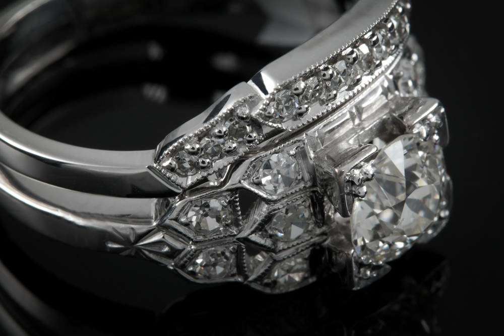 001-00962-001 - Custom Wedding Band - Detail.jpg