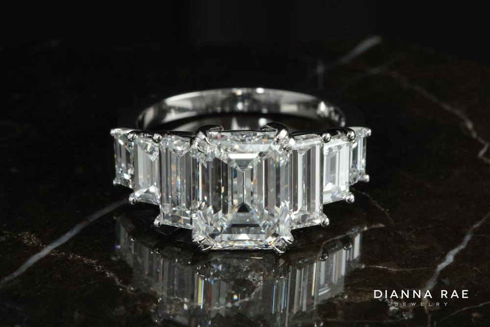 001-01896-001_diamond ring_5.jpg