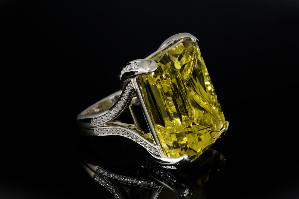 001-01287-001_Lemon Quartz Ring_Down.jpg